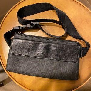 🌿 $990 Gucci bum bag fanny pack belt crossbody